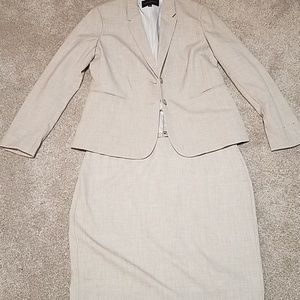 Banana Republic skirt suit